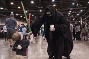 Kylo Ren vs Toddler Jedi