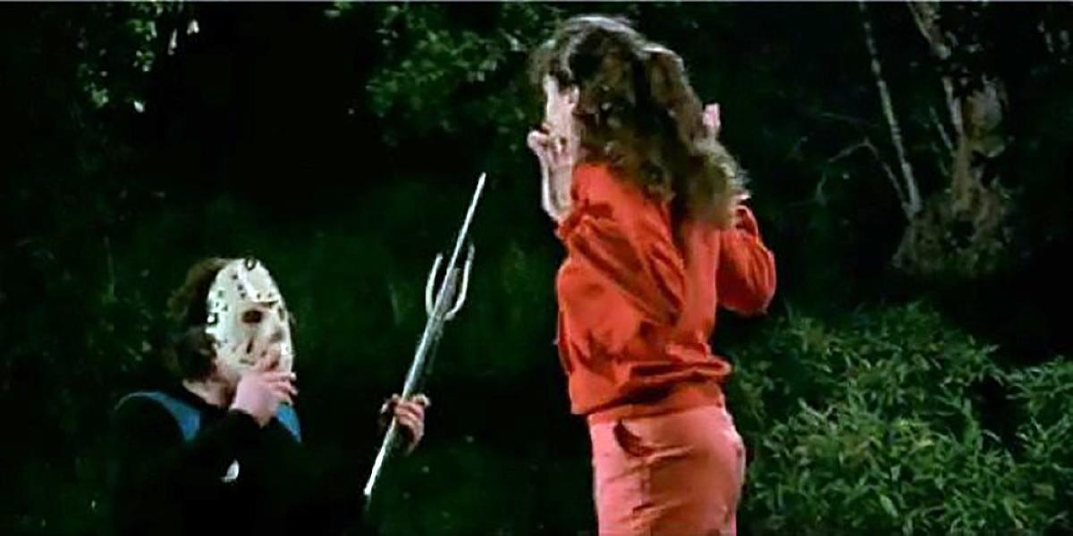 Shelly Finkelstein scaring Vera.